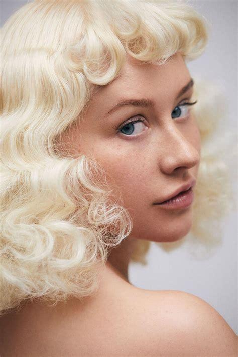 christina aguilera shares   makeup    years  performing    stunning