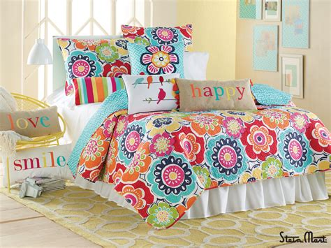 A Colorful Floral Design Will Make Your Bedroom Blossom