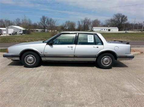 Find Used 1991 Oldsmobile Delta 88 Royale Brougham Sedan 4