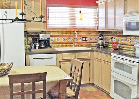pictures of kitchen backsplash neutral wall coral beige kitchen wall 4204