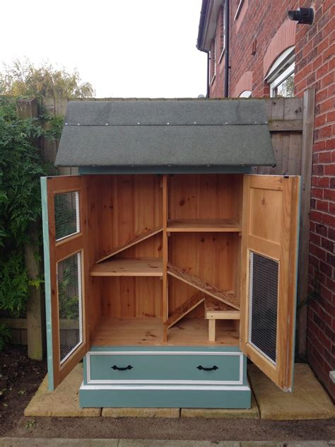 diy rabbit hutches  upcycled furniture home