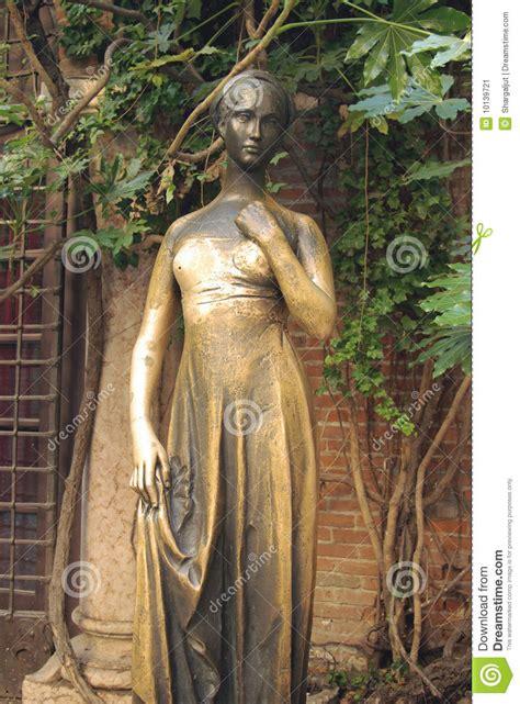 Juliet Balcony by Juliet S Statue Verona Italy Stock Image Image 10139721