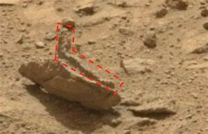 UFO SIGHTINGS DAILY: Alien Statue Lounging In Sun On Mars ...