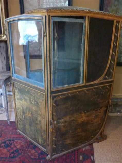chaise a porteur chaise à porteur époque xviii ème siècle hauteur 1m50