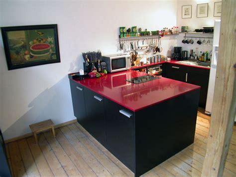 Küchenblock Mit Roter Kunststeinarbeitsplatte Julius