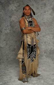 1000+ ideas about Native American Clothing on Pinterest | Native americans American indians and ...