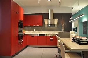 Rote Arbeitsplatte Küche : edle rote k che k chenangebote aus ganz sterreich ~ Sanjose-hotels-ca.com Haus und Dekorationen