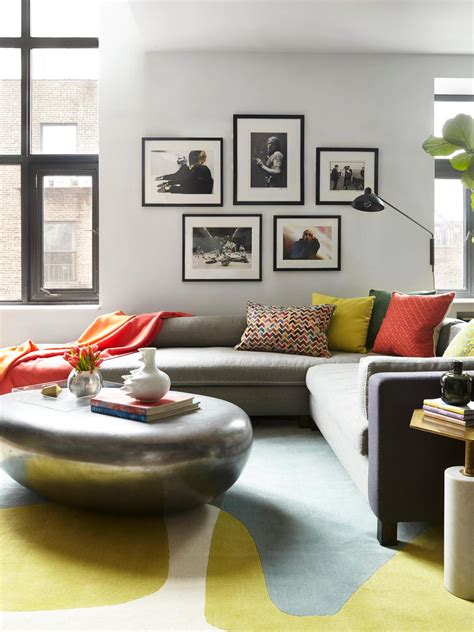 Decorating Ideas For Living Room With Grey by 12 Living Room Ideas For A Grey Sectional Hgtv S