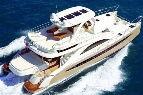 Club Nautico Miami Boat Rental by Miami S Top 5 Clubs Nightlife Fashion Stores And