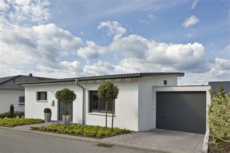 Bungalow Modern Pultdach Mit Garage by Bungalow Haus Mit Garage Und Pultdach Architektur