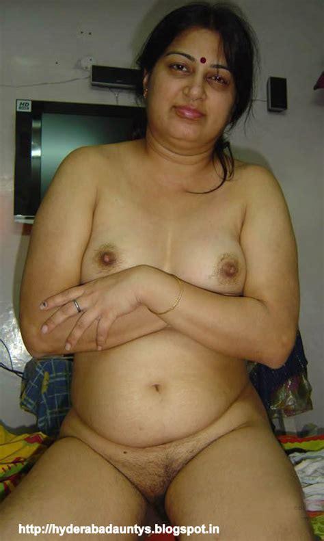 Sexy Kerala Aunty Huge Big Boobs Nude Photos Porn Videos