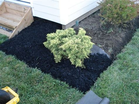 best mulch for flower beds 135 best images about home outdoor spaces on pinterest ranch homes exterior bird baths and