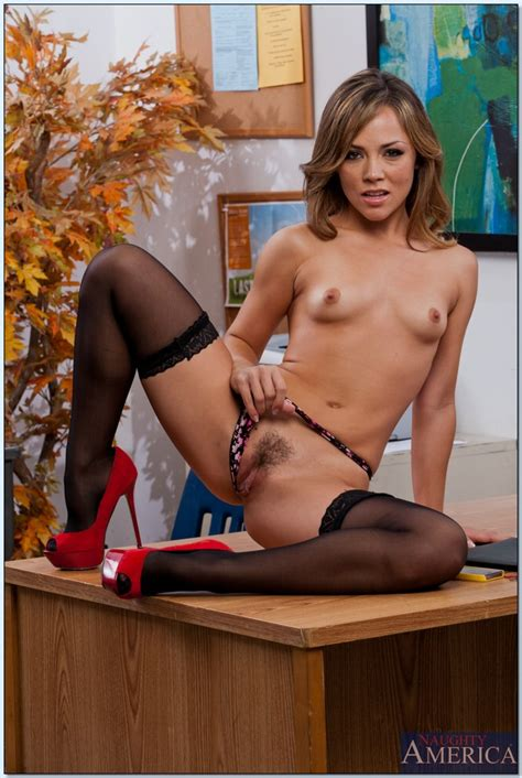 Hot Fuck MILF Kristina Rose Teasing On The Table MILF Fox
