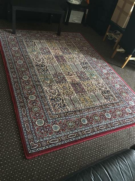living room rug carpet excellent condition  east