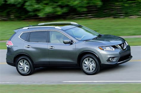 nissan rogue 2014 nissan rogue reviews and rating motor trend