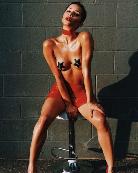 Tanaya Henry Sexy Topless Photos Thefappening