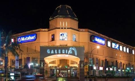 mall pusat perbelanjaan  jogja   bioskop ice