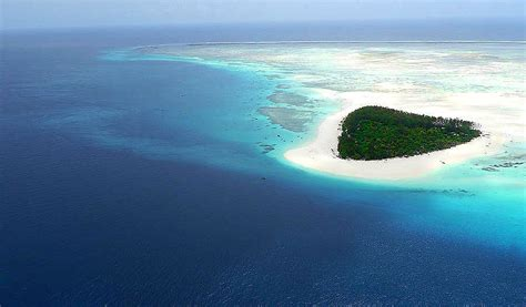 mnemba island zanzibar travel tropical islands beaches places french visit most awesome exotic polynesia moorea april