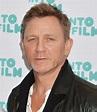Daniel Craig helps to rebuild Jamaican jerk chicken eatery ...