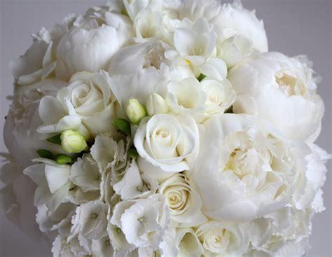 popular spring wedding flowers