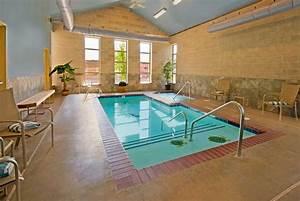 Best inspiring indoor swimming pool design ideas desainideas for Indoor pool ideas