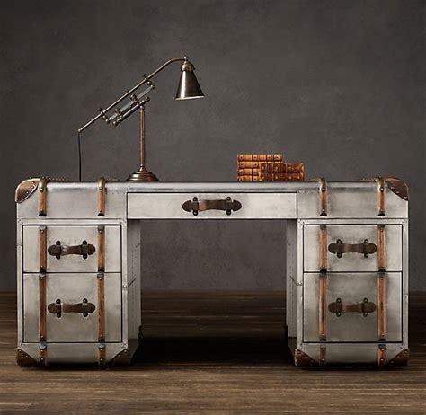 bureau en metal superbe bureau en métal