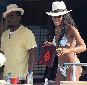 Naomi Campbell, Cassie and Puff Daddy on Holidays in Ibiza ...