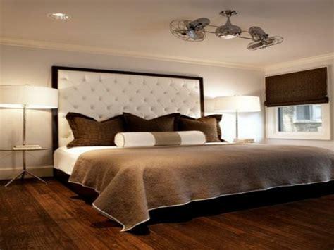 chambres à coucher modernes une tête de lit capitonnée pour un beau style de votre