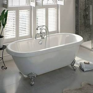 Shakespeare roll top bath small with ball feet victoria for Victoria plumb bathrooms uk