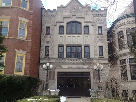 a classic wedding venue in chicago stan mansion logan