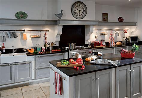 cuisine bois massif prix incroyable cuisine moderne en bois massif 4 cuisine 233quip233e classique cuisines