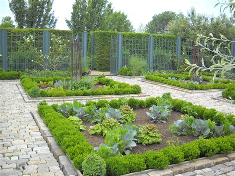 kitchen gardens design 20 impressive vegetable garden designs and plans 1762