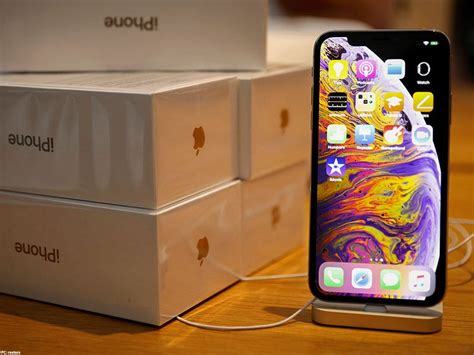 apple co founder worried about no foldable iphone says he