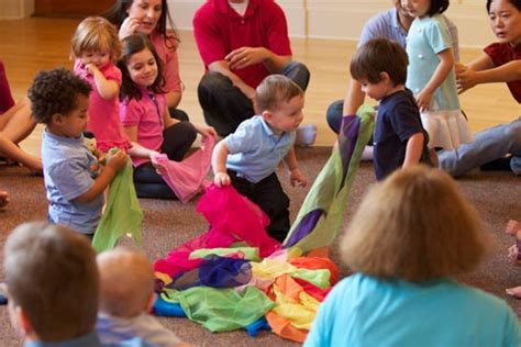 The family music for toddlers program includes singing. Willamette Valley Music Together Kids Classes, Lessons and Summer Camps | Baby, Dance, Mommy and ...
