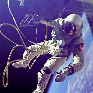 Edward White Gemini 4 EVA Spacewalk Public Domain Clip Art ...