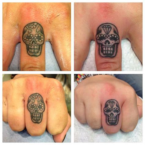 sugar skull finger tattoos tattoo finger tattoos skull finger tattoos cool tattoos