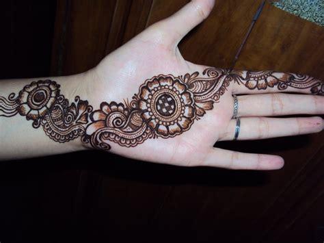 Latest Mehndi Designs For Eid 2012  Stylish Henna Designs
