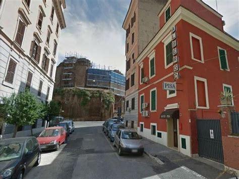 portiere di notte roma portiere violentato e rapinato in hotel identificati due