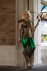 Female Aquaman Cosplay