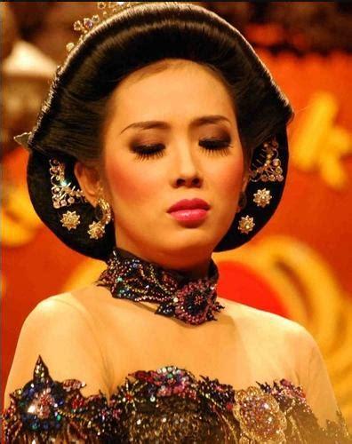 10 Pelawak Paling Hot Di Tahun 2012 Kaskus The Largest