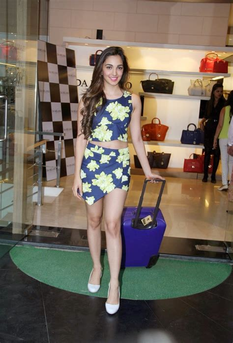Kiara Advani Showcasing Her Long Sexy Legs At Da Milano