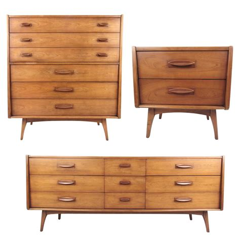 Midcentury Modern Threepiece Bedroom Set For Sale At 1stdibs