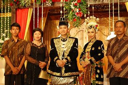 Traditional Indonesian Dresses Tradition Around Adorable Whykol