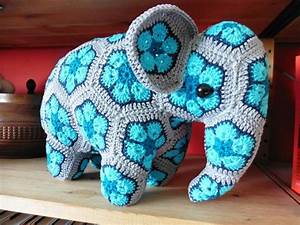 Elephant african flowers (Credits for the pattern to Anne