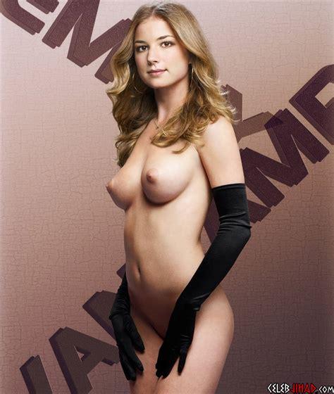 Emily Vancamp Poses Fully Naked