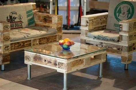 table cuisine palette stunning table en palette pour jardin photos amazing