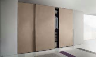 jesse hopus sliding door wardrobe walk  wardrobe zone