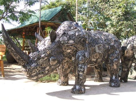 Recycled Art 66 Masterpieces Made From Junk Hongkiat
