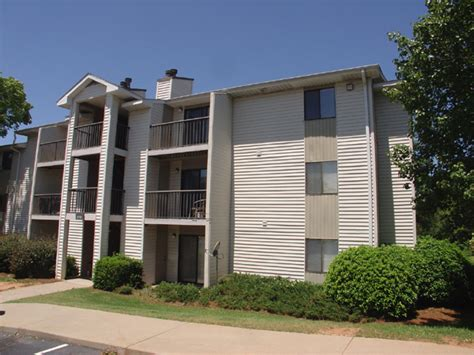 stonesthrow apartment homes rentals greenville sc