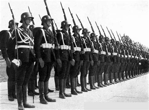 Adolf Resumen Breve by A2 Guerras Mundiales